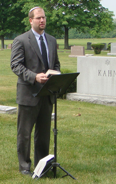 Rabbi for Unveiling Ceremony or Jewish Funeral